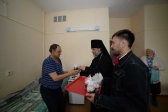 В праздник Пасхи Преосвященнейший епископ Николай посетил паллиативное отделение ГКБ в Салавате