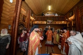 В понедельник Светлой седмицы Преосвященнейший епископ Николай совершил Литургию в Богородичном храме в Мусино