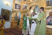 В день Святого Духа Преосвященнейший епископ Николай возглавил Литургию и ежегодный Крестный ход в Покрово-Еннатском мужском монастыре с.Дедово