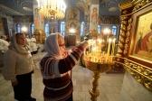 Преосвященнейший епископ Николай совершил утреню с акафистом Рождеству Христову в Успенском кафедральном соборе