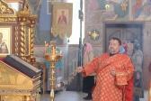 Преосвященнейший епископ Николай  совершил утреню с акафистом Пасхе Христовой в Успенском кафедральном соборе