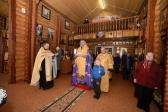 Владыка Николай совершил утреню с акафистом в Богородичном храме в Мусино