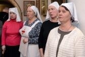Владыка Николай благословил добровольцев на кандидатство в сёстры милосердия с правом ношения апостольника без креста