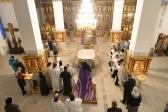 Владыка Николай совершил утреню с чтением акафиста Крещению Господню