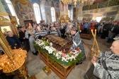 Епископ Николай совершил вечерню с выносом Плащаницы Спасителя и утреню с чином погребения Господа нашего Иисуса Христа в Успенском кафедральном соборе