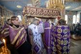 Епископ Николай совершил вечерню с выносом Плащаницы Спасителя, а также утреню Великой Субботы с полиелеем праздника Благовещения Пресвятой Богородицы и чином погребения Господа нашего Иисуса Христа в Успенском кафедральном соборе