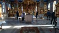 Православное молодежное движение действующие при Успенском кафедральном соборе приняли участие в подготовке храма к Крещению Господню