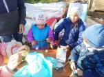 В селе Чуваш-Карамалы прошел мастер-класс для маленьких жителей деревни по изготовлению домиков для кукол