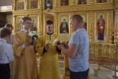 Активисты православного молодёжного движения «Ника» Богородице-Казанского храма г. Мелеуза поздравили прихожан с Днём семьи, любви и верности