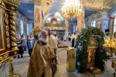 В праздник Рождества Господа Бога и Спаса нашего Иисуса Христа Преосвященнейший епископ Николай совершил Великую вечерню в Успенском кафедральном соборе города Салават
