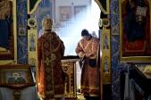 Владыка Николай совершил Литургию Преждеосвященных Даров в Верхоторе