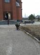 Уборка на территории храма святителя Василия Великого